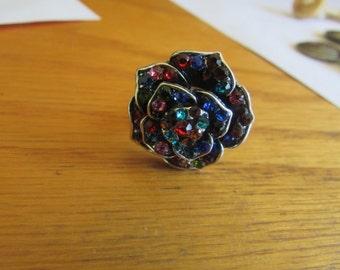 Rhinestone flower ring