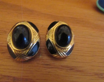 black oval clips
