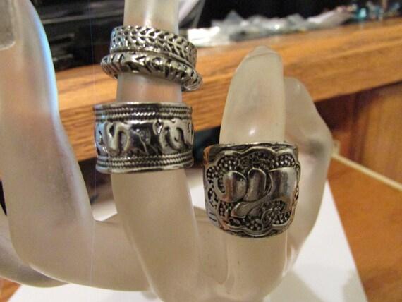 4 artsy rings