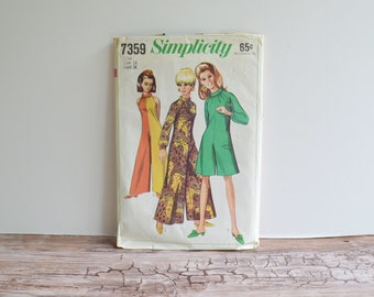 Simplicity Pattern 7359 Jumper Pantdress 1960s Sewing Pattern Size 16 Bust 36 1967