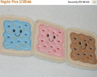 CHRISTMAS in JULY SALE Play Food, Pretend Felt  Smiley poptarts