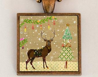 Christmas Reindeer Necklace, Reindeer Jewelry, Christmas Jewelry, Reindeer Pendant Necklace, Reindeer Gift, Christmas Gift, Deer Necklace