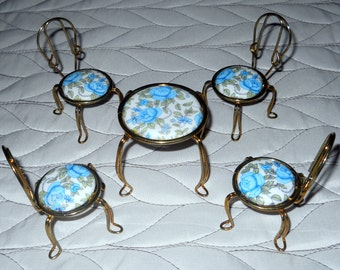 Dollhouse Furniture, Vintage 5 Piece Bistro Set, Table Chairs, Porcelain Floral Blue Cushions - Gold Twisted Metal Patio Set - Girl Toy