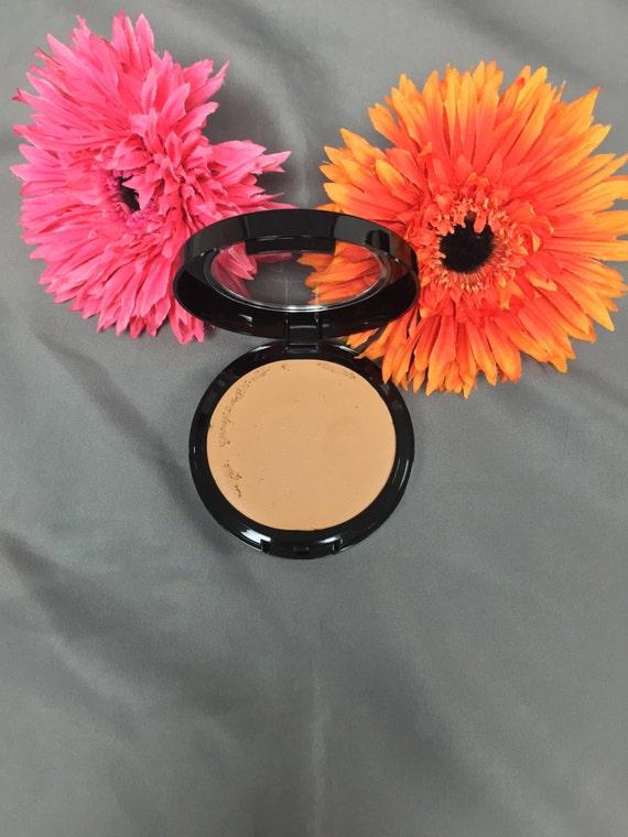 Natural Foundation Mineral Makeup Perfect Match™ Cream Foundation In MEDIUM  Color- adjusting mineral blend Acne Safe Makeup