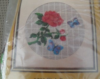 Embroidery Stitchery New Creative Circle Kit
