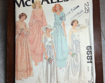 Vintage 1970's McCalls Sewing Pattern 6681 Wedding Dress Sz 6 Bust 30 1/2""