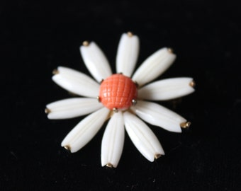 Vintage Daisy Pin  White Petals and Orange Center Signed Wells Sterling Silver and Bakelite Marked Happy Jewelry Women's Vintage Jewelry