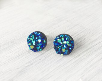 Blue Green Faux Druzy Earring, Faux Druzy 8mm, Blue Cabochon, Blue & Green Druzy Earring, Metallic Earrings, Glitter Stud Earrings / 1j