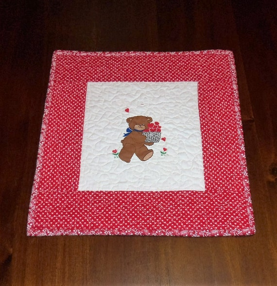 Valentines day placemats page three valentine 39 s day wikii for Small square placemats
