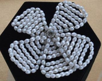 Pretty Vintage Faux Pearl, Rhinestone Wire Brooch, Shabby Chic  (I8)