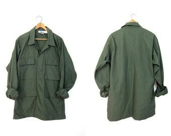 Vintage 80s Army Shirt Worn In Military Cargo Shirt Drab Green Army Jacket DELLS 80s Grunge Punk Hipster Top Vintage Men's Small