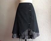 Bernadette ruffle front skirt Sz 16