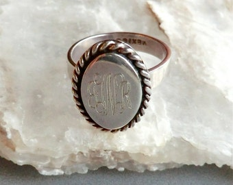 Vintage Sterling Oval Signet Monogram Ring Engraved Initials JWR Silver Twist Border Size 7 1/4