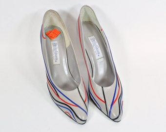 1980s HipOppoTamus Pumps 8-1/2 AA - Gray with Red, Blue and Black Trim