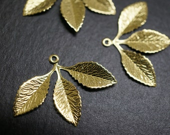 Raw Brass Antique Style Mistletoe Three Leaves Filigree Pendant Charms - 30mm x 22mm - 8 pcs