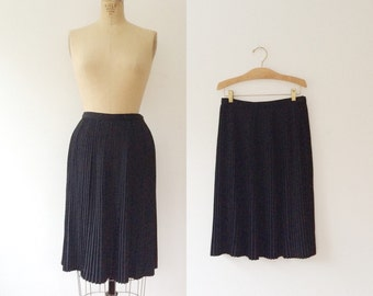 vintage black skirt / 1950s skirt / Pleated 50s skirt
