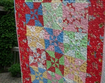 Double Pinwheel Baby Quilt ,Mary Engelbreit, Crib Quilt