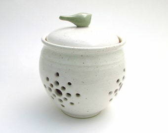 Little Birdie Garlic Keeper// Garlic Jar in Creamy White with an Aqua Bird