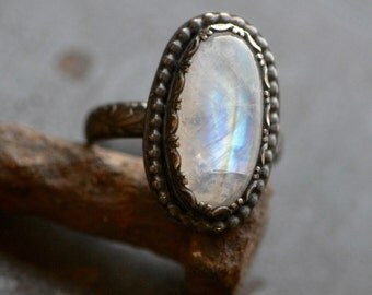 Petite Rainbow moonstone ring in sterling silver with LOS Patina, Labradorite, size 9, Oval stone
