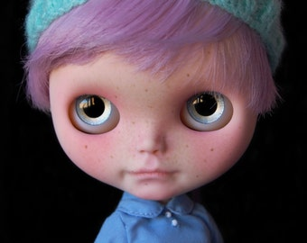 """RESERVED. On layaway. Custom Blythe doll Lavender Hug """"Lilah"""" by Fausto & Gretchen. Layaway accepted."""