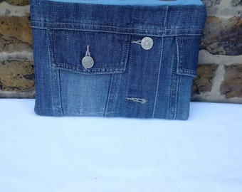 recycled denim pouch, denim purse, upcycled denim, manbag, jeansbag, denim clutch, manbag, denim pouch, zipper pouch, make up bag
