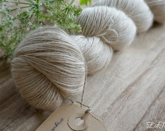 Super soft yak with silk yarn for knitting and crochetting / embroidery / undyed and unbleached natural color / luxerious yarn
