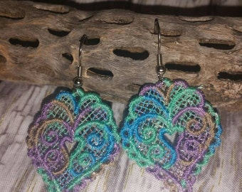 Free standing lace heart earrings