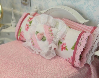 1/12 Pink Quilt and 5 Pillows Handmade Dollhouse Scale Miniature Shabby Cottage Chic Feminine  **Free Shipping**