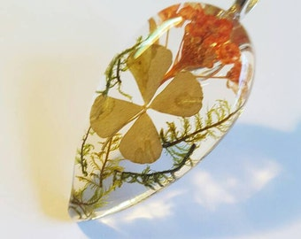 Real Four Leaf Clover Orange Flowers Green Moss  Resin  Nature Necklace Pendant Bohemian Earth Jewelry  Green 4 Leaf Lucky