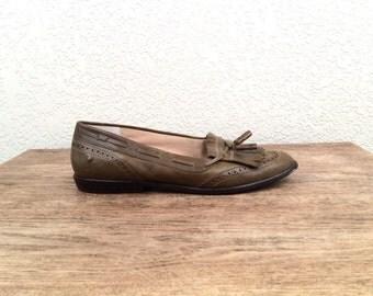 vintage OLIVE green ETIENNE aigner oxford loafers, size 7 1/2
