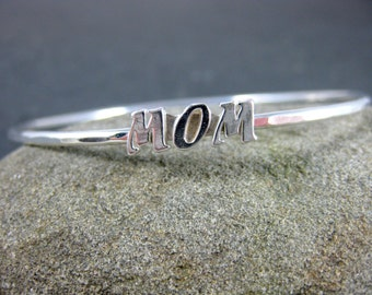 Mom Bangle Bracelet, Mother's Day Jewelry, Stacking Bracelet, Simple Hammered Sterling Silver Bracelet, Mother's Day Bracelet, Minimalist