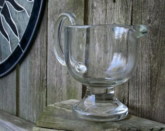 Very Nice Vintage Clear Glass Gravy or Dressing Pitcher / Boat