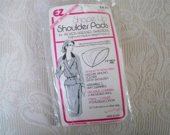 Vintage Sewing Supply Unopened Package of Shoulder Pads  Couture Collection