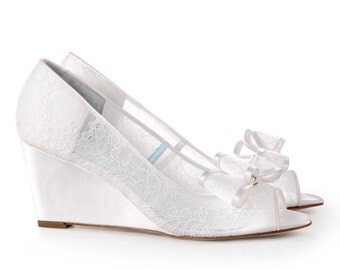 Lace Wedding Wedge Shoes - Peep Toe Bridal wedge Pumps with Removable Bows Clips