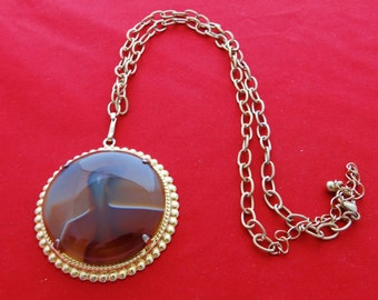 """Vintage gold tone 18"""" necklace with 2"""" brown stone pendant  in great condition"""