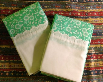 Vintage   Little White flowers on Aqua  pillowcase standard pair NEW