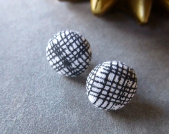 Fabric Covered Button Earrings // Silver // Black + White // Mod // Post