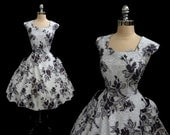Vintage 1950s Black and White Floral Cotton Full Skirt Party Dress L