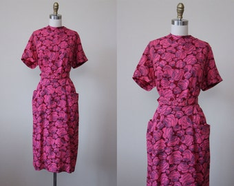 1950s Dress - Vintage 50s Dress - Hot Pink Red Rose Print Jersey Bombshell Belted Day Dress w Pockets L XL - Spitfire Rose Dress