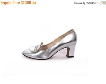 BTS SALE Vintage 60s Metallic SILVER Mod Pumps 6