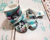 Size 3-6 month crib booties
