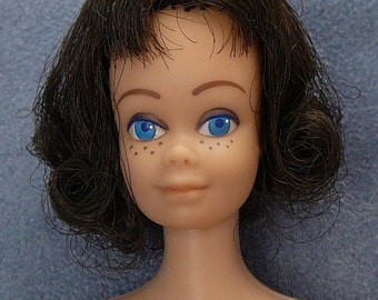 1962 Midge Barbie Doll with Clothes Brunette Blue Eyes