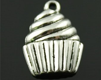 Silver Cupcakes (EMB-135)