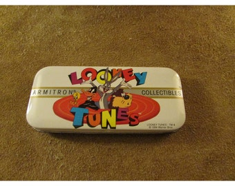 Vintage Looney Tunes Collectible Tin – Tweety, Daffy, Bugs Bunny, & Tasmanian Devil – Armitron Collectibles Watch Tin 2200/114