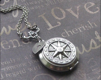 Compass Locket Personalized Initial Necklace Silver Compass Jewelry Picture Locket True North Locket Compass Necklace Round Locket Gift HOT