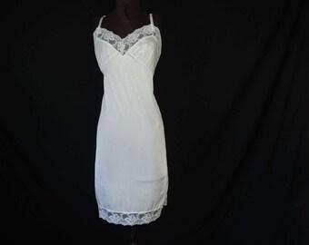 1970's white lace slip mel-lin rose floral nylon full slip size 36