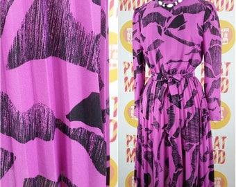 Pretty Vintage 90s Purple & Black Pattern Secretary Dress with Pleated Skirt! CUTE!