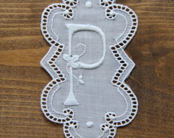 3.5 inch embroidery Monogram Initial P - vintage supply 90mm