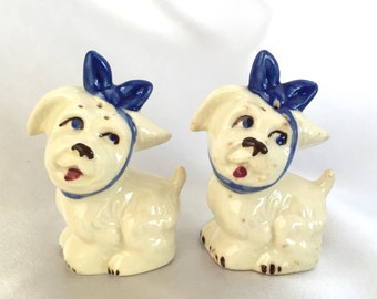 Vintage Shawnee Muggsy white dogs salt and pepper shakers