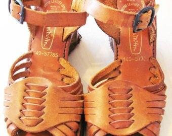 By Thom McAn Wood Works Vintage Heel